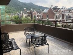 排屋建面180㎡:阳台