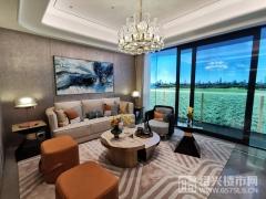 建面140㎡:客廳