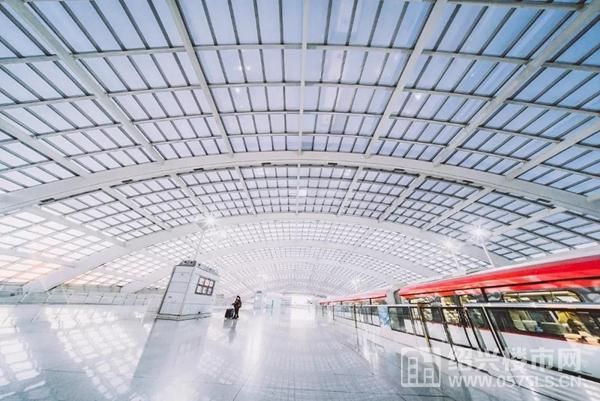 图片来自于视觉中国