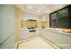 建面约142�O:厨房