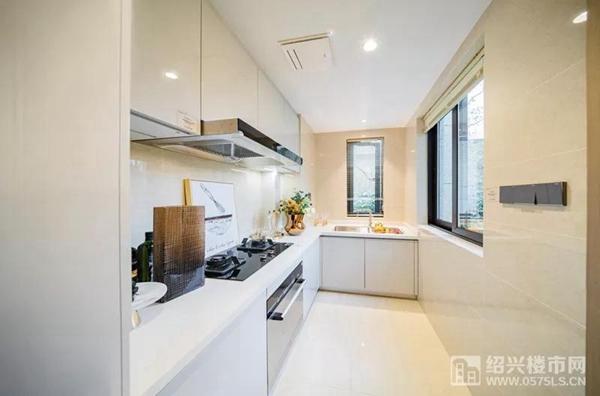 龙湖中天・春江天镜建面约89�O样板房厨房
