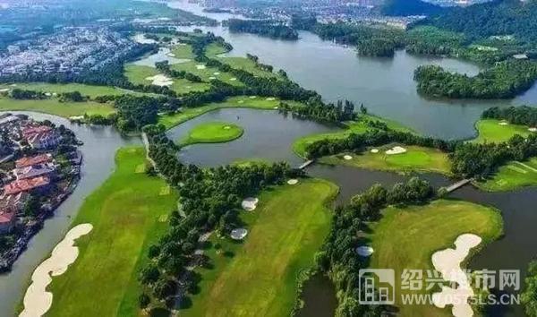 鉴湖高尔夫球场