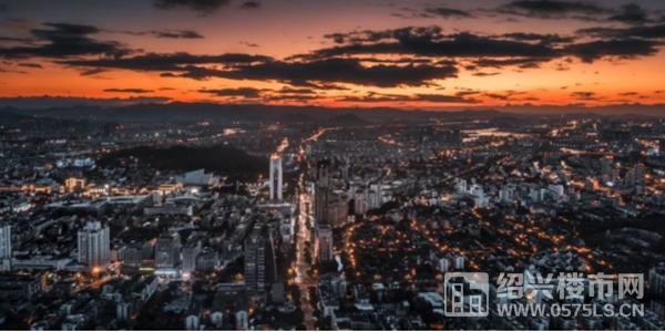▲绍兴老城繁华实景 | 来源《航拍越城》