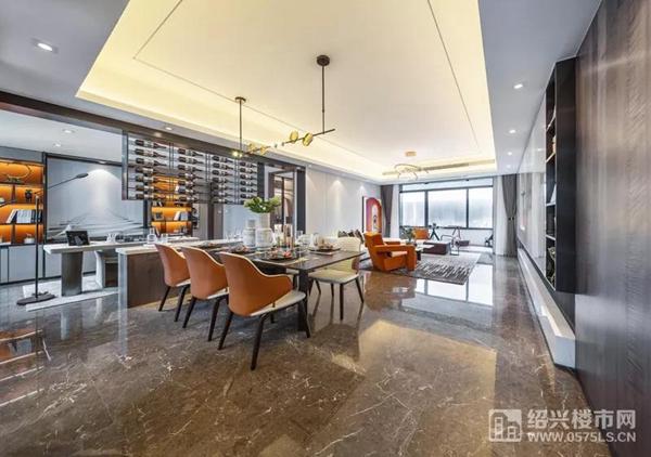 柏丽湾样板房 建面约122�O餐客厅