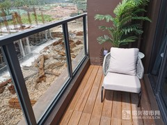 建面约132�O:阳台