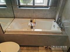 建面约132�O:卫浴